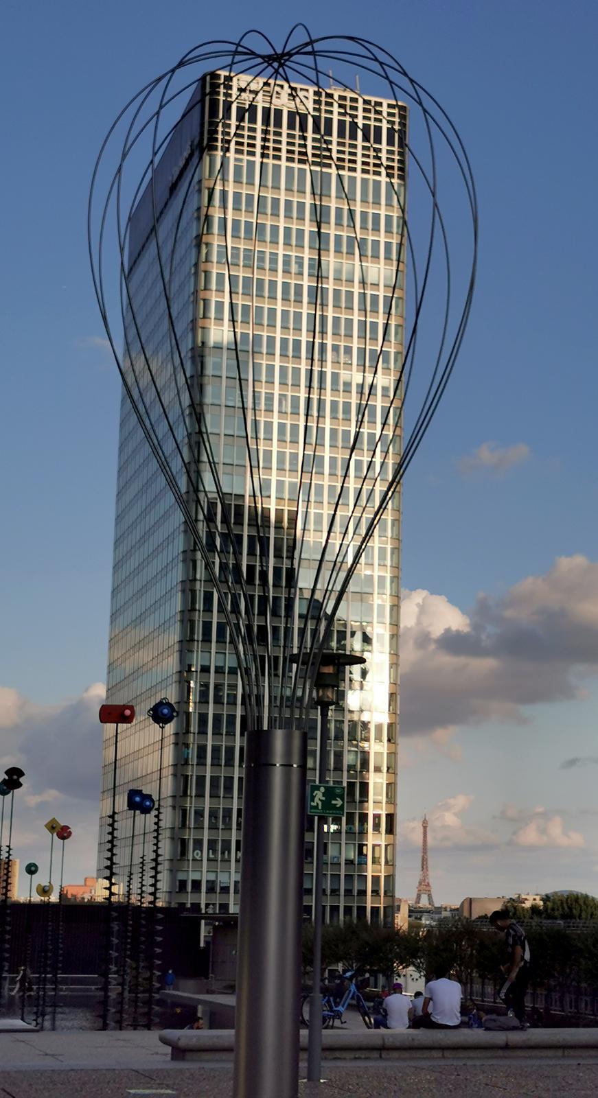 Cergy-Pontoise and La Défense