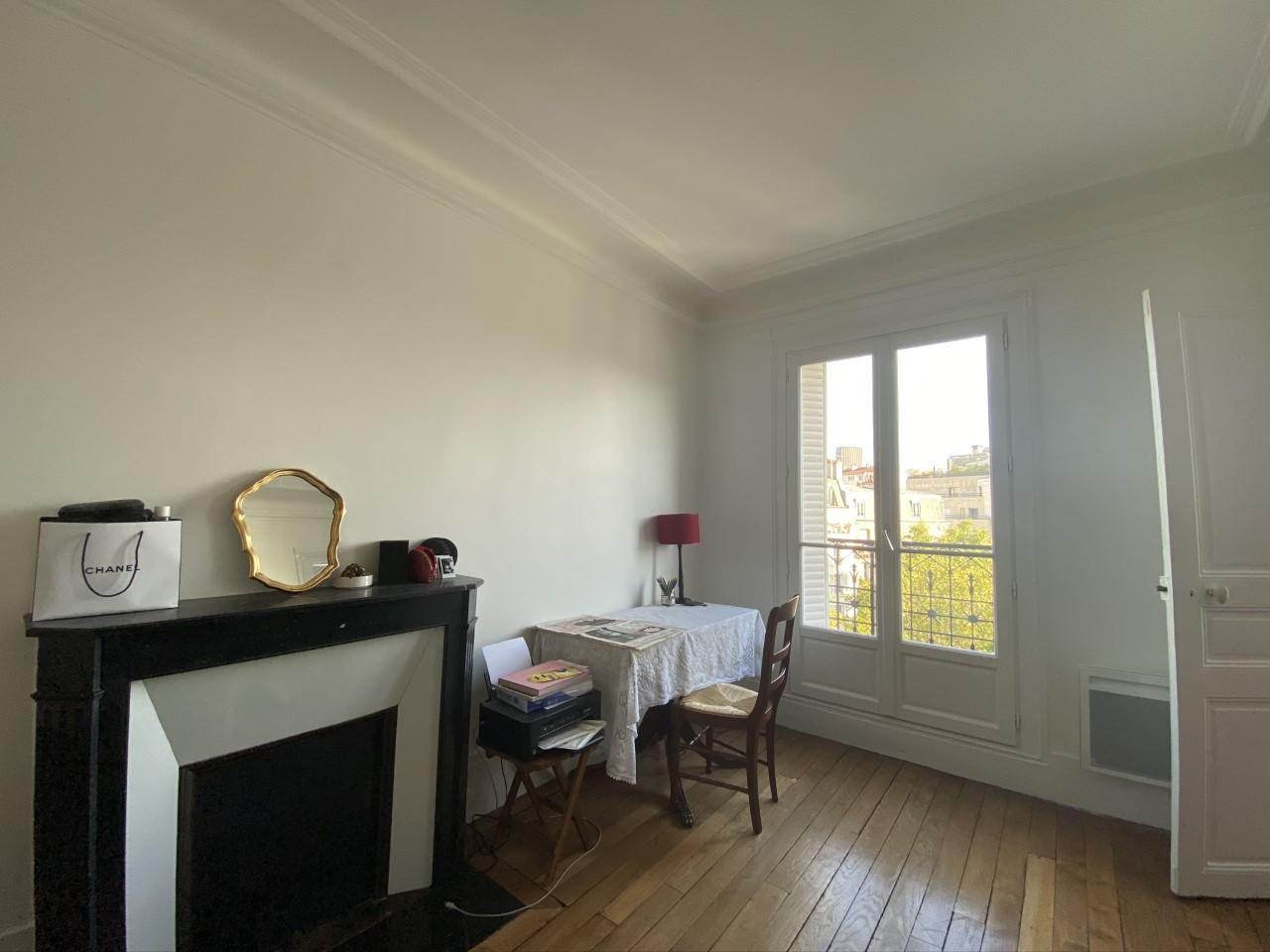 Bedroom office - Chambre bureau